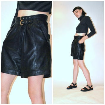 high waisted leather shorts / high fashion pleated black boyfriend shorts