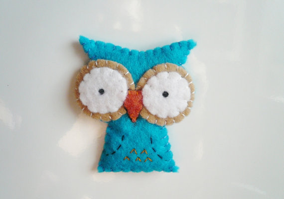 Decorative owl magnet blue cute felt animal decor