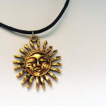 Sun Pendant Choker Necklace