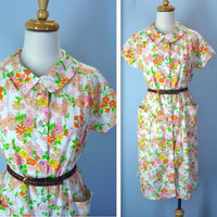 Vintage Day Dress / 1960s Crisp Floral House Dress / large