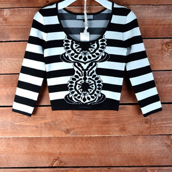 BLACK AND WHITE STRIPED JACQUARD KNIT CROP TOP | Paper Kranes