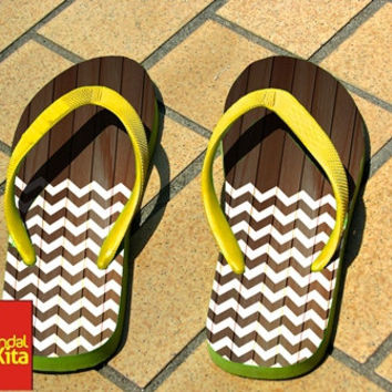 Flip Flops - Chevron on Wood