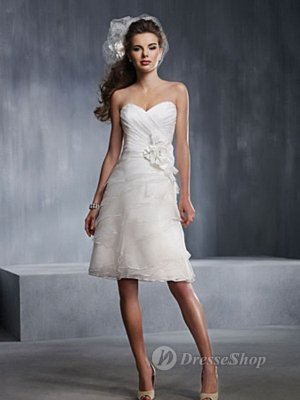 Sheath/Column Sweetheart Chiffon Hand Made Flower White Knee-length Dress (XFSRDS025) at Dresseshop