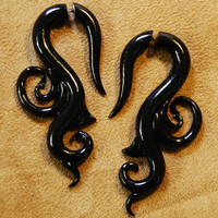 Fakers - Faux Gauge Filligree Earrings