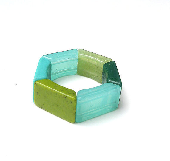 Lucite Bracelet Stretch Aqua Blues &amp; Greens 1980s