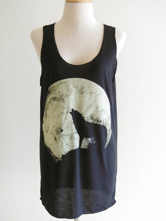 Howling Wolf Fox -- animal art design animal t-shirt women t-shirt tank top tunic fox wolf  t-shirt size s, m