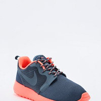 Nike Roshe Run Trainers in Grey and Coral - Urban Outfitters