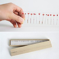 Art and objects of note / Flowers Ruler | Lushlee