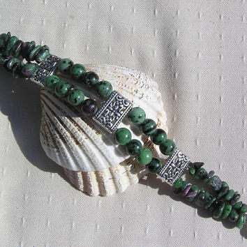 Ruby in Zoisite (Anyolite) Crystal Gemstone Bracelet - Ruby Green