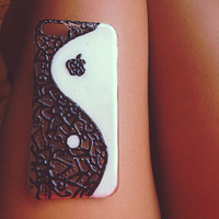 Henna tattoo inspired phone case