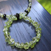 Pretty Peridot Circle Necklace - Striking Green and Black