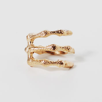 Clutching Claw Ring | HOTTT.COM