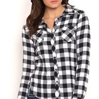 Long Sleeve Buffalo Plaid Flannel Button Down Top with Pockets