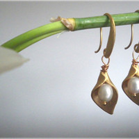 Golden Cala Lily Earrings -16K goldplated brass calla  flowers, freshwater pearls- gift for her