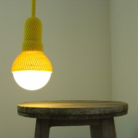 Lampe, crocheted pendant light in yellow