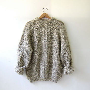 20% OFF SALE. vintage oatmeal speckled wool sweater. oversized sweater. chunky knit pullover.