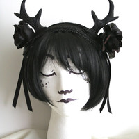 Black Antlers and Roses Headpiece: Medium Sized Roses