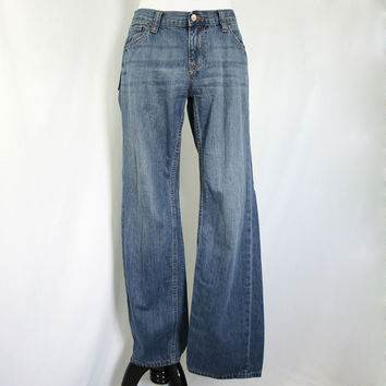 Light stonewashed boot cut jeans