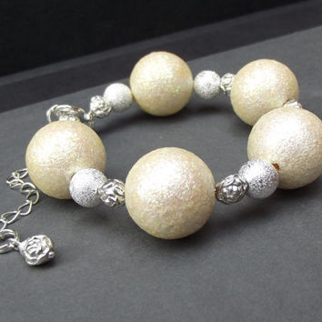 Winter Jewelry:  Chunky Beaded Bracelet, Snow White and Silver Sparkle Christmas Rose Holiday Fashion Accessory