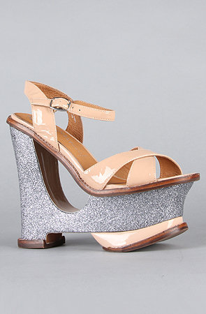 The Hare II Shoe in Nude Patent and Pewter Glitter