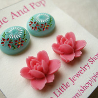 Vintage Flower Earrings Set. Pink Lotus Flowers, Vintage Mint Green Glass Earrings, Summer Earrings, Stud Earring Duo. FSE2.