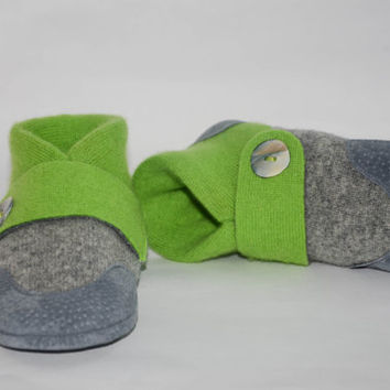 Kids Cashmere Slippers, Children Soft Cashmere Shoes, Eco-friendly Toddler Slipper Socks, Kids Winter Shoes:Size Kids 7.0 -Youth 2.5.Happy