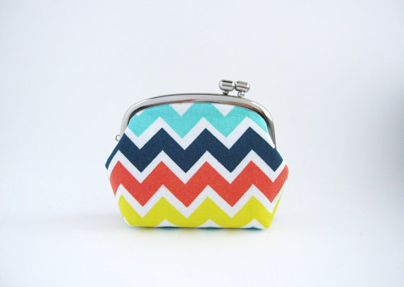 silver frame coin purse - rainbow chevron