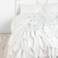 Stitched Scallop Ruffle Duvet Cover