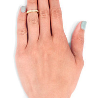 Kate Mid Knuckle Ring in Gold :: tobi
