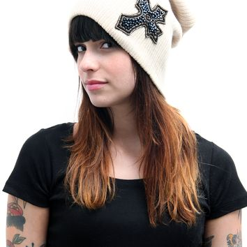 "Women's ""Cross Applique"" Rib Knit Beanie (Ivory)"