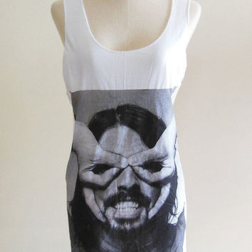 Dave Grohl Nirvana Foo Fighters Drummer -- Dave Grohl Shirt Women Tank Top Vest Tunic Top Sleeveless Singlet White T-Shirt Size S , M