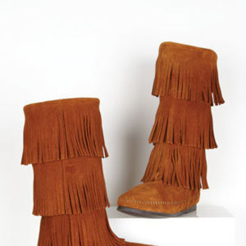 Minnetonka 3 Tier Fringe Boot