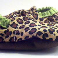 Baby Girl Shoes, Leopard Baby Shoes, Baby Shoes, toddler shoes, baby booties, green and brown, cheetah