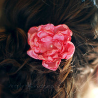 Simply Vintagegirl » Tutorial: How to Make Lovely Fabric Flowers