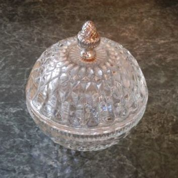 VTG. ROUND CLEAR GLASS COVERED DIAMOND POINT COVERED CANDY DISH ACORN FINIAL LID