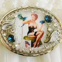 Vintage Pin Up Girl Womens Belt Buckle