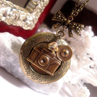 Train Stop Camera Locket Necklace With Bow