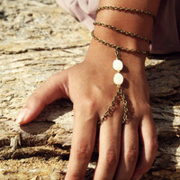 Slave Bracelet Hipster Bronze Chain Bohemian Ivory White Cream Mother of Pearl Beads Three Chain Hand Ring Jewelry Piece