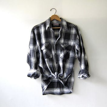 20% OFF SALE...Vintage Plaid Flannel / Grunge Shirt / Thick cotton button up shirt / Black and White