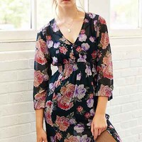 MINKPINK Light Floral Breeze V-Neck Maxi Dress - Urban Outfitters