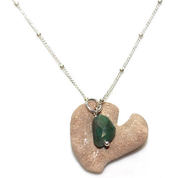 Eco Necklace Stone Necklace Heart Necklace Heart Stone Pebbble Necklace Rustic Necklace Beach Pebble Jewelry Emerald Necklace Rustic Jewelry