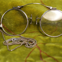 Antique 1917 14k White Gold Spring, Sterling Silver Etched Frame Pince Nez Eyeglasses and Hecho Mexican Sterling Chain!