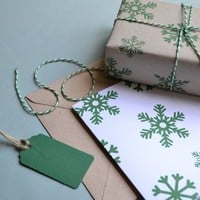 Snowflakes The Mini Wrapping Paper And Card Set
