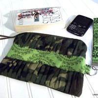 {angela} Wristlet / Clutch / Kindle.. on Luulla