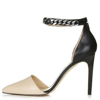GERANIAM Chain Court Shoes - Nude