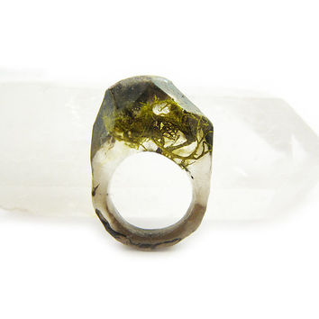 Smoke Moss Resin Ring • Eco Resin Nature Ring • Asymmetrical Unusual Art Ring • Faceted Resin Terrarium Ring • Nature Moss Resin Ring