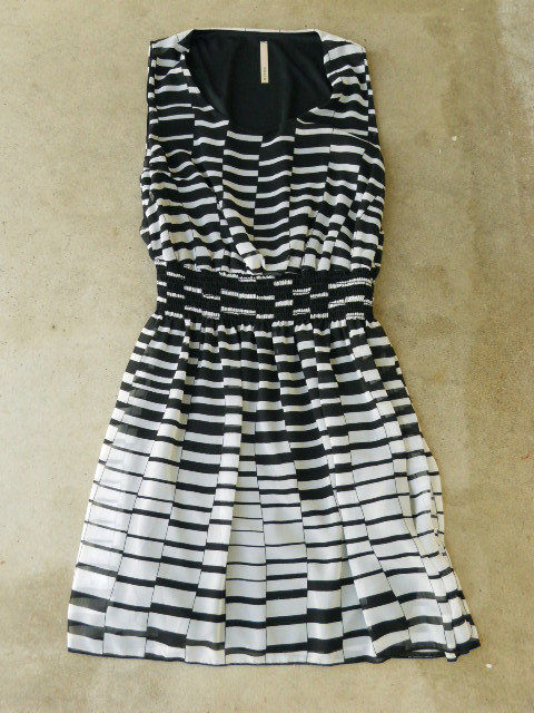 Hypnotizing Indie Lines Dress [2650] - $36.00 : Vintage Inspired Clothing &amp; Affordable Summer Dresses, deloom | Modern. Vintage. Crafted.