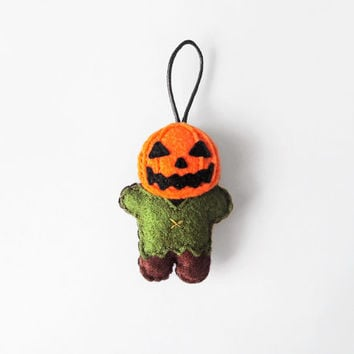 Jack o' Lantern figurine, felt Halloween ornament, gift idea and Halloween party favour, stuffed Halloween doll wall hanging
