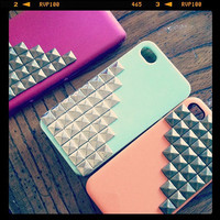 IPhone DROID Pyramid Stud Phone Cover