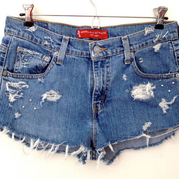Low Waisted Studded Levis Shorts